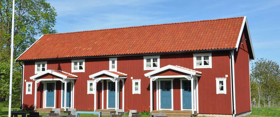 Kröken guesthouse in falured with blue doors